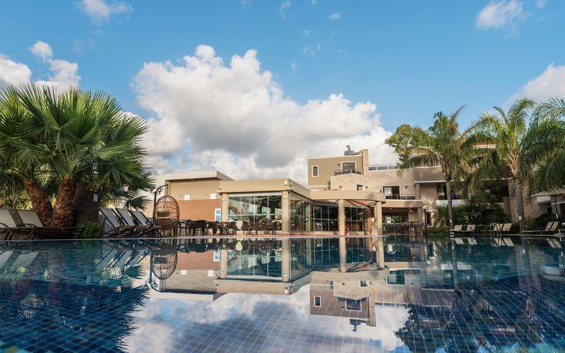 Okeanis Golden Resort s-21