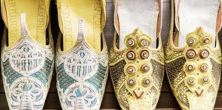 Traditionella sandaler från Oman.