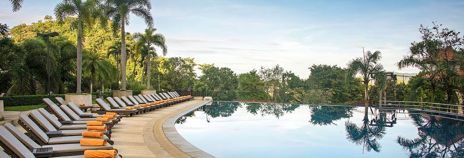 Poolområdet på Pakasai Resort i Ao Nang, Krabi.