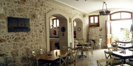 Frukostservering på hotell Palazzino di Corina i Rethymnon, Kreta.