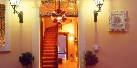 Entrén till hotell Palazzino di Corina i Rethymnon, Kreta.