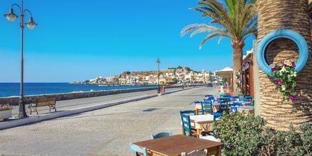 Strandpromenaden i Paleochora på Kreta, Grekland.