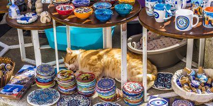 Shoppa souvenirer på semestern i Paleochora.