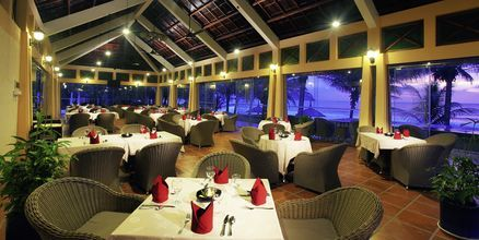 Restaurang Sun terrace vid poolen på hotell Pandanus Resort, Phan Thiet.