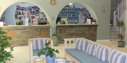 Receptionen på hotell Pandrossos på Paros i Grekland.