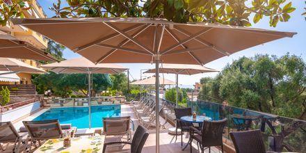 Pool/snackbar på hotell Panorama i Parga, Grekland.