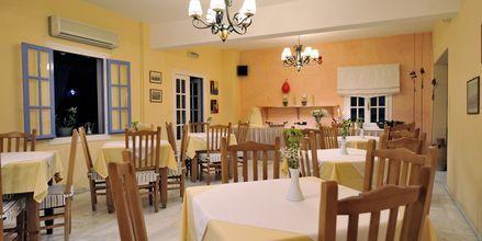 Frukostmatsal på hotell Panorama i Paikia på Paros.