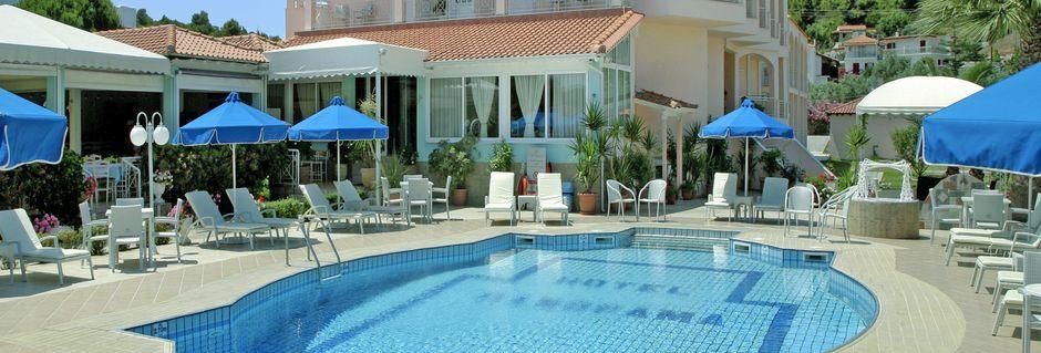 Poolen på hotell Panorama i Koukounaries, Skiathos.