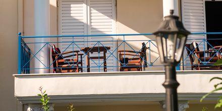 Balkong på hotell Paradise Ammoudia i Grekland.