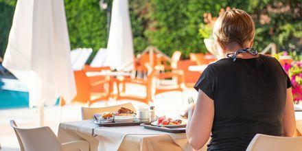 Restaurang på hotell Paradise Ammoudia, Grekland.