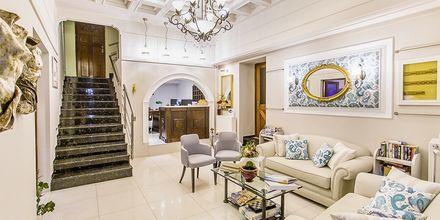Lobby på hotell Paradise i Parga, Grekland.