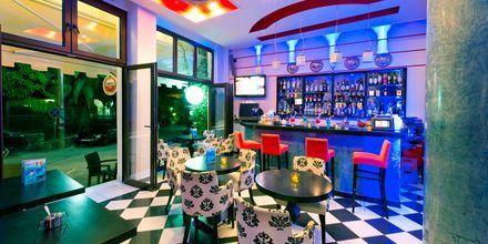 Bar på hotell Paradise i Parga, Grekland.