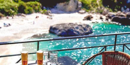 Krioneri Piso-stranden i Parga, Grekland.
