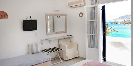 Dubbelrum på hotell Paros Bay på Paros i Grekland.