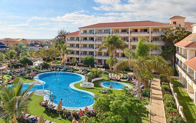 Poolområdet på hotell Parque La Paz i Playa de las Americas på Teneriffa.