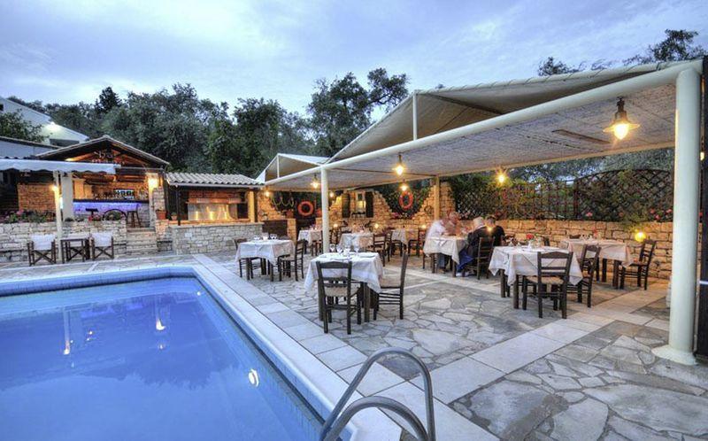 Poolen på hotell Paxos Club, Grekland.