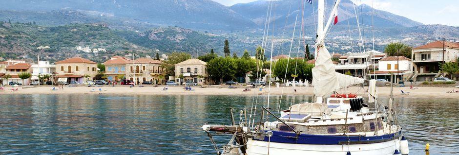 Stoupa Beach i Stoupa på Peloponnesos, Grekland.
