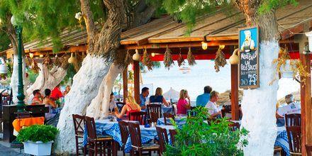 Perissa på Santorini, Grekland.