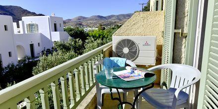 Dubbelrum på hotell Petros Place på Ios i Grekland.