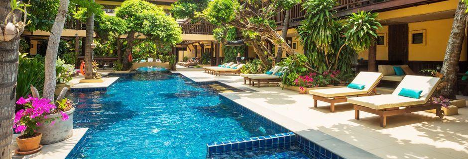 Poolområde på hotell Phra Nang Inn på Krabi, Thailand.