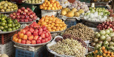 Fruktmarknad på Phu Quoc i Vietnam.