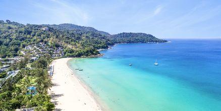 Kata Noi Beach är en av de finaste stränderna på Phuket i Thailand.