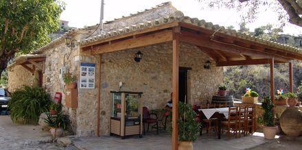 Taverna vid hotell Pierides i Kardamili, Grekland.