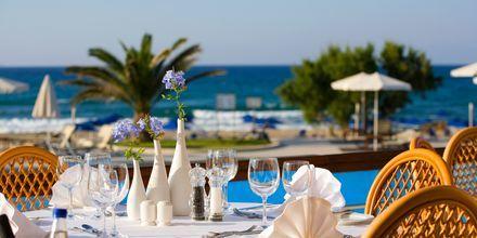 Taverna Gialos på hotell Pilot Beach i Georgioupolis på Kreta, Grekland.