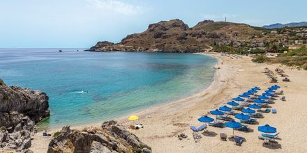 Härlig sandstrand nära Plakias på Kreta, Grekland.