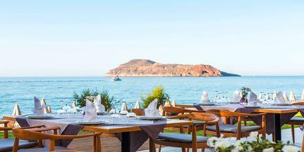 Middag vid havet på hotell Blue Dome i Platanias.