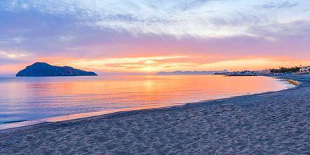Strand vid hotell Porto Platanias på Kreta.