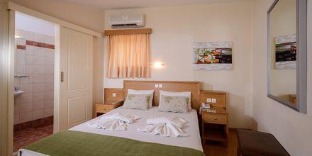 Enrumslägenhet i etage på hotell Platanias Mare i Platanias, Kreta.