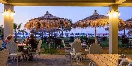 Restaurang och bar på hotell Platanias Mare i Platanias, Kreta.