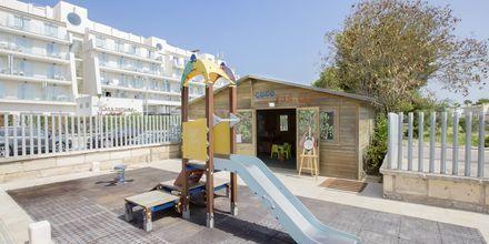 Lekplats på hotell Playa de Muro Suites Mar Hotels i Alcudia på Mallorca.