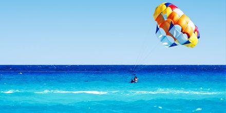 Paragliding i Playa del Carmen på Riviera Maya.