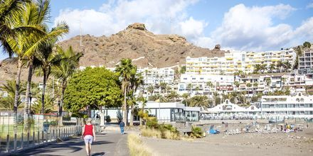 Strandpromenad i Playa del Cura på Gran Canaria, Spanien.