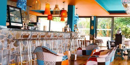 Palapa Bar på Playitas Hotel
