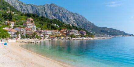 Stranden vid Villa Josko i Podgora på Makarska rivieran, Kroatien.
