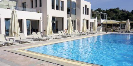 Poolområde på hotell Porto Galini, Lefkas.