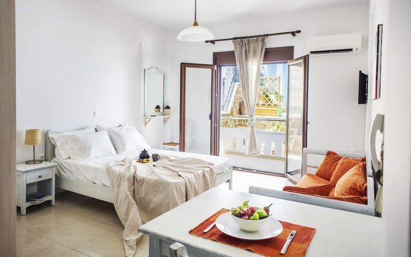 Enrumslägenhet på hotell Porto Kaza i Sitia på Kreta, Grekland.