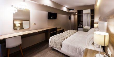 Dubbelrum på hotell Porto Planos Beach på Zakynthos, Grekland.