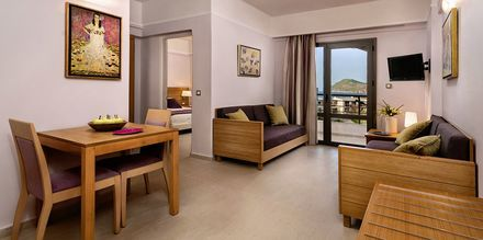 Tvårumslägenhet superior på hotell Porto Platanias Village på Kreta.