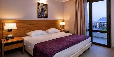 Enrumslägenhet superior på hotell Porto Platanias Village på Kreta.