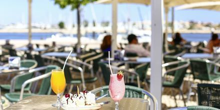 Café i Portimao på Algarvekusten.