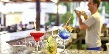 Bar på hotell Poseidonia i Ixia, Rhodos.