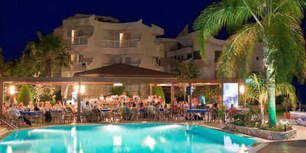Poolområdet på hotell Poseidonia i Ixia, Rhodos.