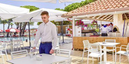 Restaurang på Prestige Resort, Durres riviera, Albanien.