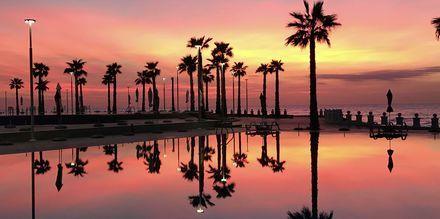 Solnedgång på Prestige Resort på Durres riviera, Albanien.