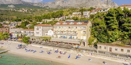 Hotell Primordia ligger precis vid stranden i Podgora.
