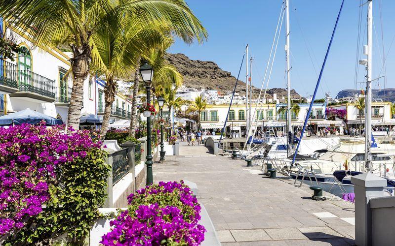 Hamnen i Puerto de Mogán på Gran Canaria, Spanien.